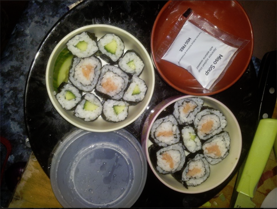 Smoked salmon maki and cucumber hosomaki